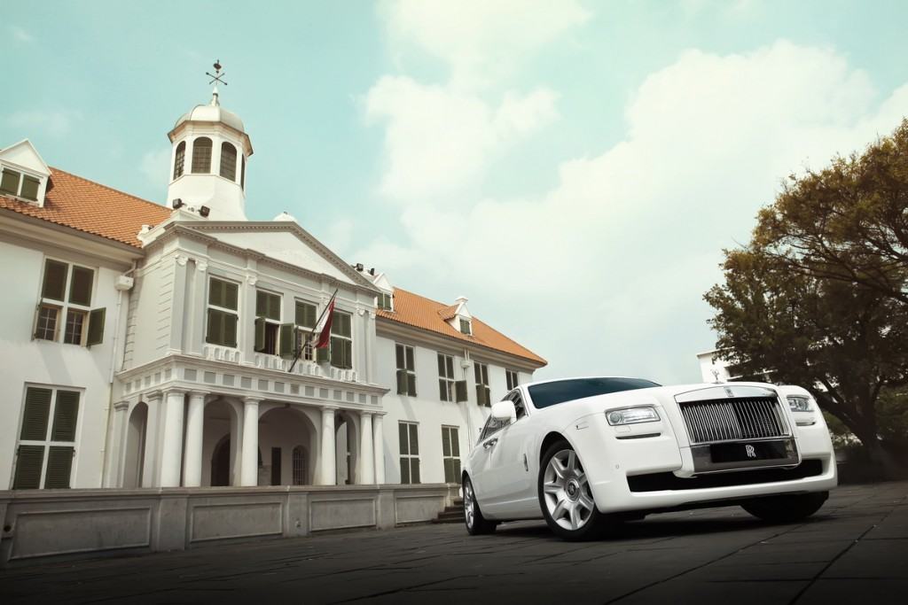 roll royce photo by colorful